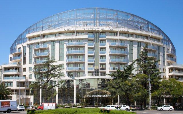 Гостиница Звёздный WELNESS & SPA в Сочи 4 отзыва об отеле, цены и фото номеров - забронировать гостиницу Звёздный WELNESS & SPA онлайн вид на фасад
