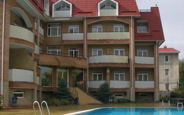 Мини-Отель Галеон бассейн