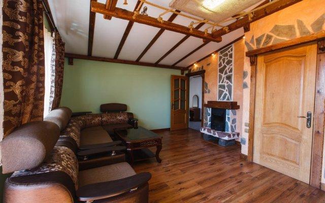 Гостиница Red House комната для гостей