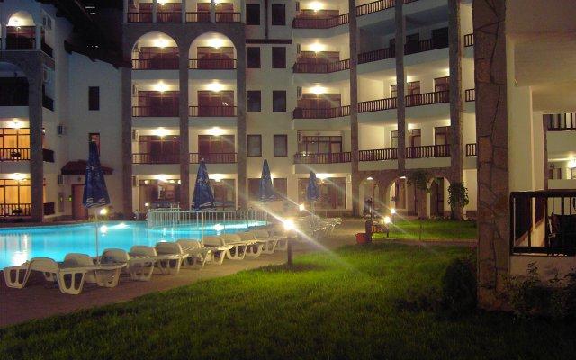 Отель Holiday Apartments Severina Болгария, Солнечный берег - отзывы, цены и фото номеров - забронировать отель Holiday Apartments Severina онлайн вид на фасад