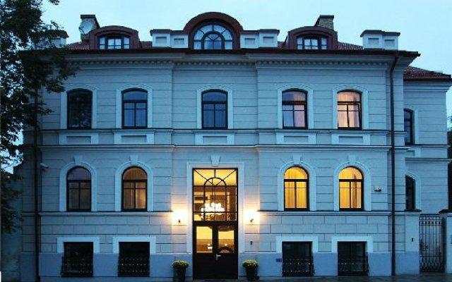 Отель Moon Garden Art Литва, Вильнюс - 3 отзыва об отеле, цены и фото номеров - забронировать отель Moon Garden Art онлайн вид на фасад