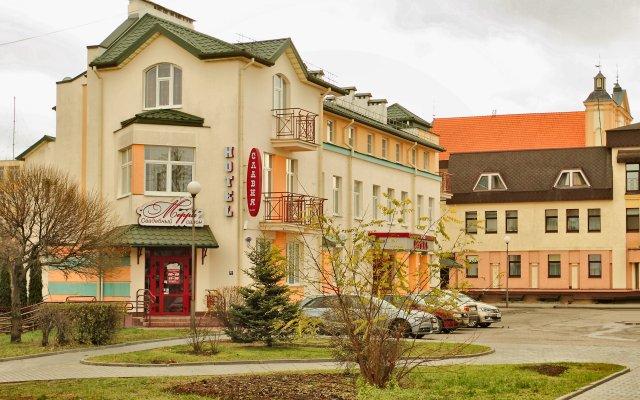 Отель Славия