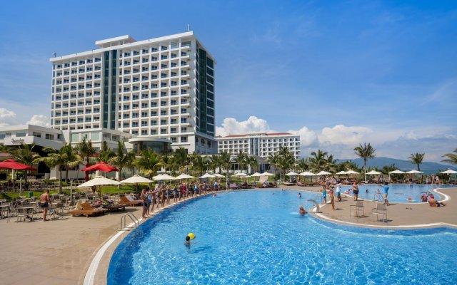 Отель Swandor Cam Ranh Resort-Ultra All Inclusive Вьетнам, Кам Лам - отзывы, цены и фото номеров - забронировать отель Swandor Cam Ranh Resort-Ultra All Inclusive онлайн бассейн