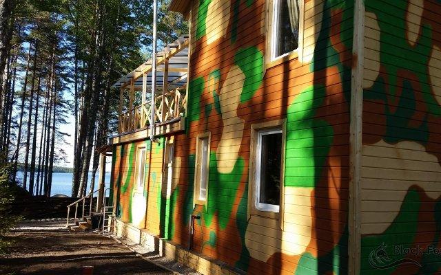 Гостиница База отдыха Black Fox в Выборге отзывы, цены и фото номеров - забронировать гостиницу База отдыха Black Fox онлайн Выборг вид на фасад
