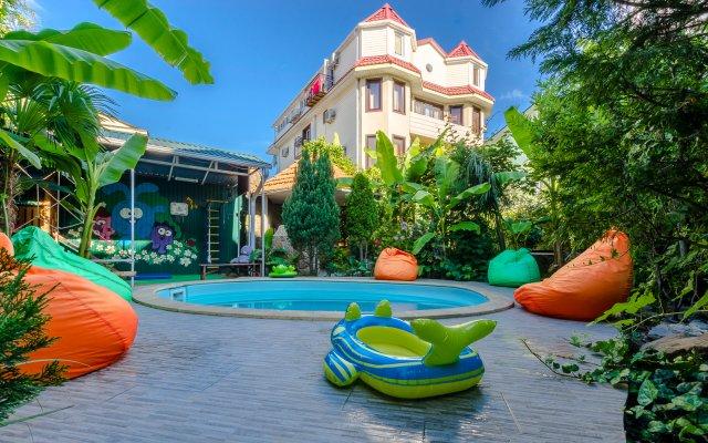 Гостиница Банановый рай бассейн