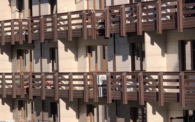 Гостиница Эстонская 88/10 в Красной Поляне отзывы, цены и фото номеров - забронировать гостиницу Эстонская 88/10 онлайн Красная Поляна вид на фасад