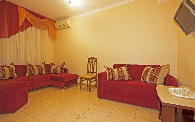 Ilios Guest House 1