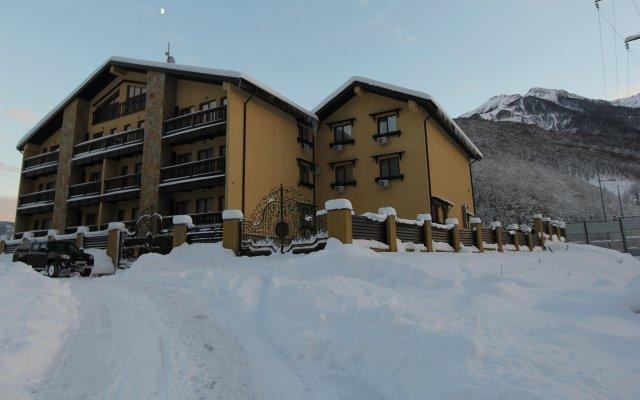 Гостиница Альпийская сказка в Красной Поляне 3 отзыва об отеле, цены и фото номеров - забронировать гостиницу Альпийская сказка онлайн Красная Поляна вид на фасад