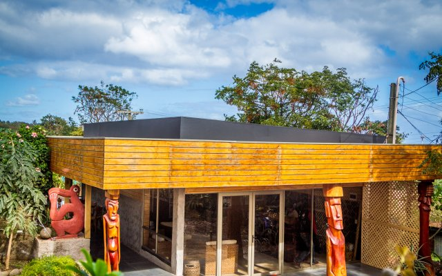 Отель Easter Island Eco Lodge