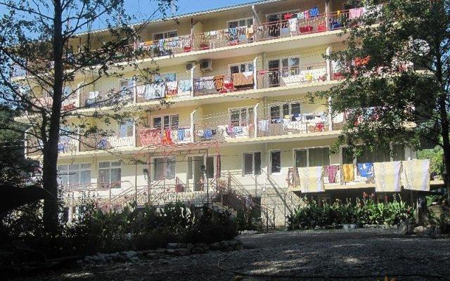 Гостиница Алеандр в Сочи отзывы, цены и фото номеров - забронировать гостиницу Алеандр онлайн вид на фасад