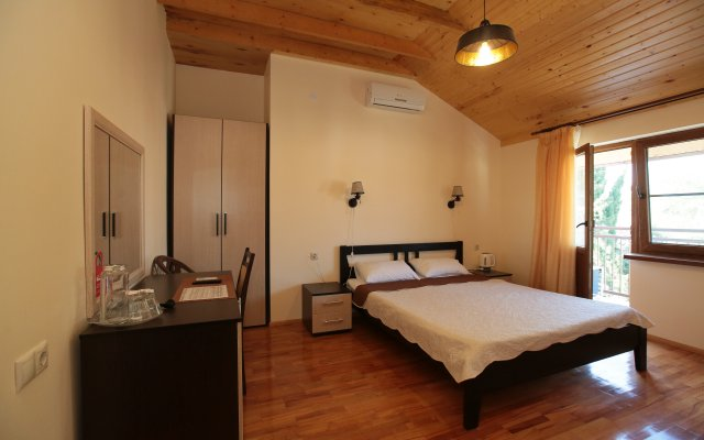 Kiaraz Start Hotel 1