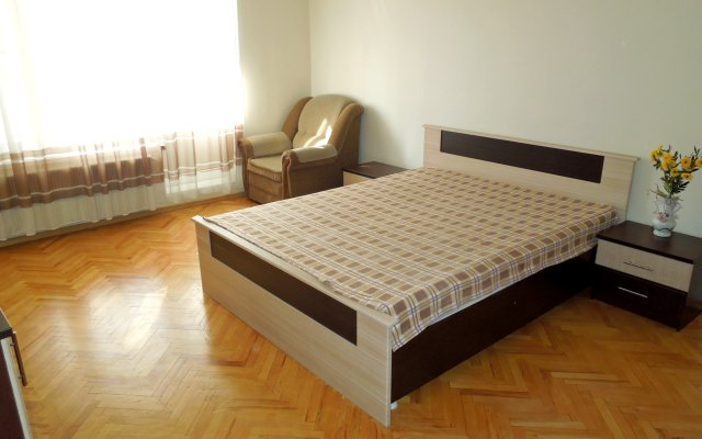 Апартаменты на Ельнинской 15 комната для гостей