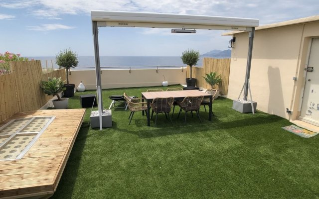 Beach Penthouse Apartments 0