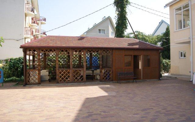 Kotedzhi V Dzhemete Guest House 2