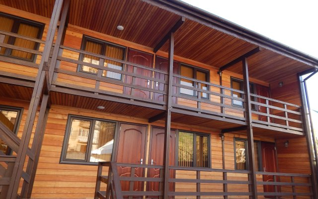 Wood House Guest House 0