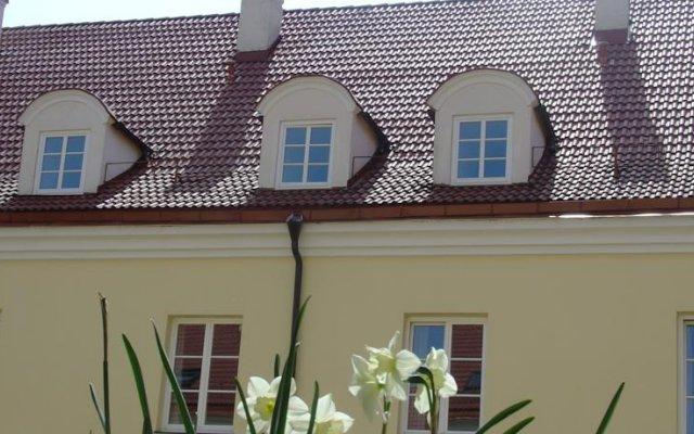 Отель Domus Maria Литва, Вильнюс - 4 отзыва об отеле, цены и фото номеров - забронировать отель Domus Maria онлайн вид на фасад