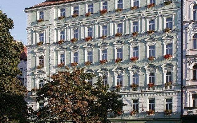 Отель Green Garden вид на фасад
