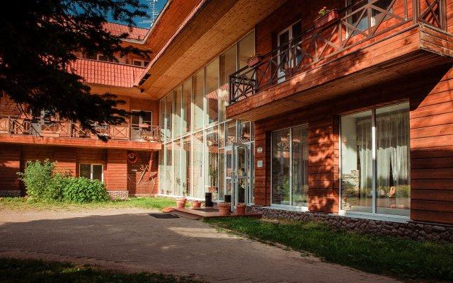 Гостиница Парк-отель Медвежьи Озера в Медвежьих Озерах 1 отзыв об отеле, цены и фото номеров - забронировать гостиницу Парк-отель Медвежьи Озера онлайн вид на фасад