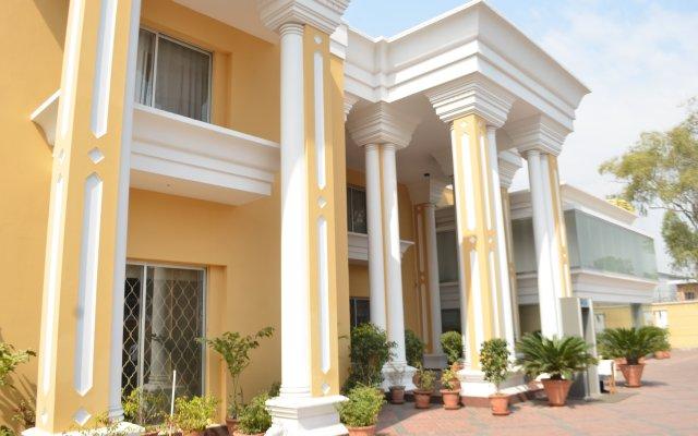 Отель One Tariq Road