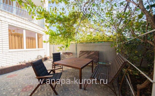 Zemlyanichnaya Polyana Guest house 1