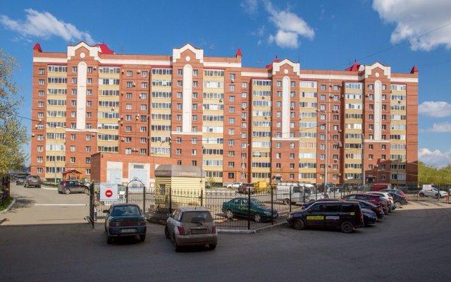 Гостиница Абажур на Карельцева в Кургане отзывы, цены и фото номеров - забронировать гостиницу Абажур на Карельцева онлайн Курган вид на фасад