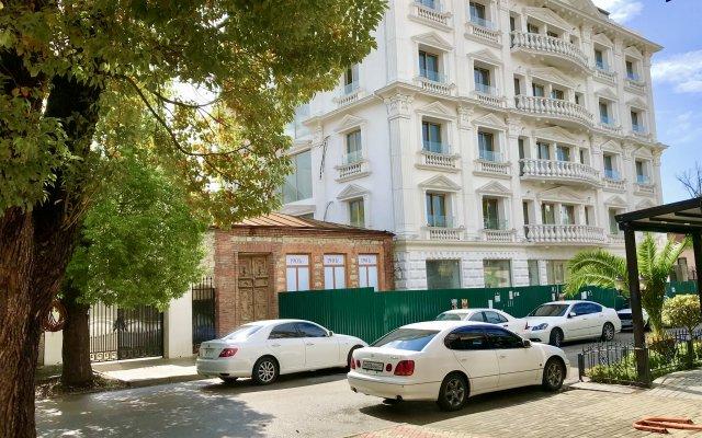 Grand Hotel Suhum 1
