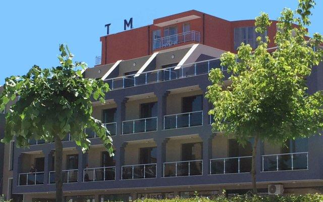 TM Deluxe Hotel вид на фасад