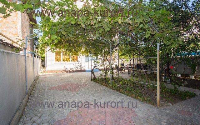 Zemlyanichnaya Polyana Guest house 2