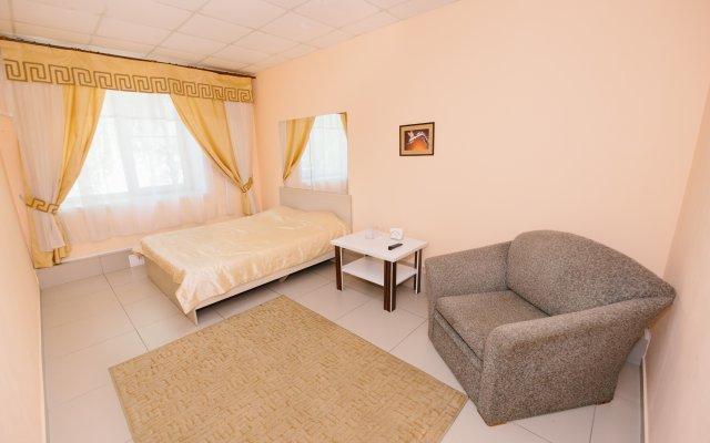 Гостиница Чайка в Барнауле 1 отзыв об отеле, цены и фото номеров - забронировать гостиницу Чайка онлайн Барнаул вид на фасад
