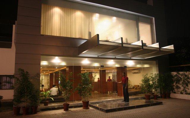 Отель One The Mall Lahore