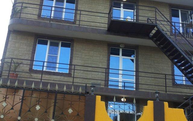 Гостиница Виктория вид на фасад