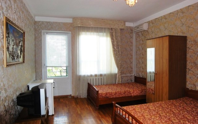 Na Krasnozelebyh 38 Guest House 0