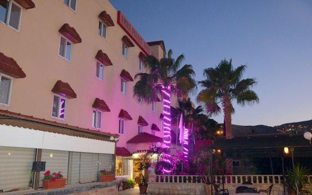 Отель Amra Palace International Иордания, Вади-Муса - отзывы, цены и фото номеров - забронировать отель Amra Palace International онлайн вид на фасад