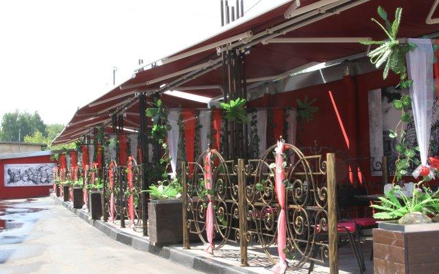 Гостиница Троя в Костроме 4 отзыва об отеле, цены и фото номеров - забронировать гостиницу Троя онлайн Кострома вид на фасад