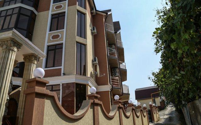 Гостиница Антика в Сочи 10 отзывов об отеле, цены и фото номеров - забронировать гостиницу Антика онлайн вид на фасад
