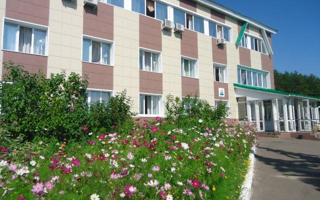 Гостиница Радуга в Уфе 2 отзыва об отеле, цены и фото номеров - забронировать гостиницу Радуга онлайн Уфа вид на фасад