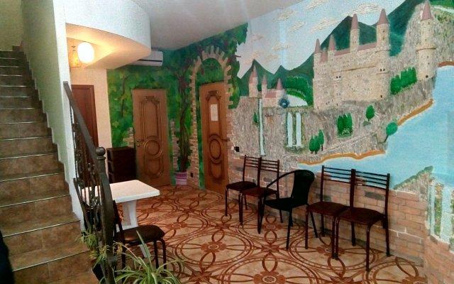 Izumrudnyij Guest House 1
