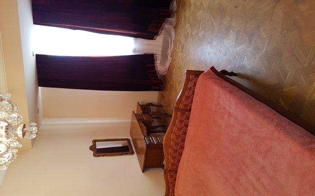 Апартаменты с джакузи комната для гостей