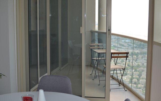 Апартаменты 1 Bedroom with Balcony and Lake View 2