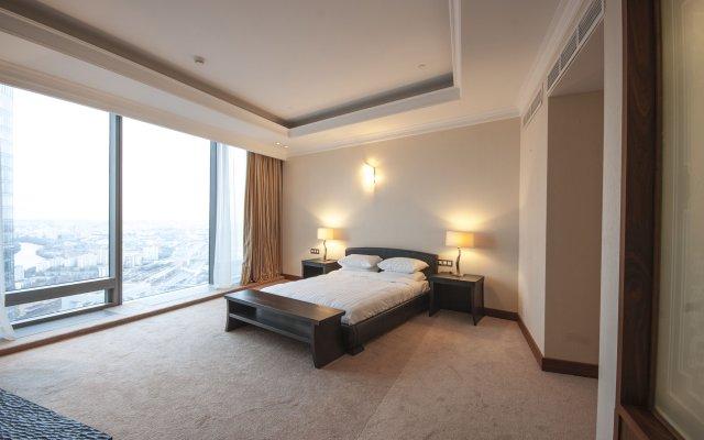 Апартаменты SkyApartments комната для гостей