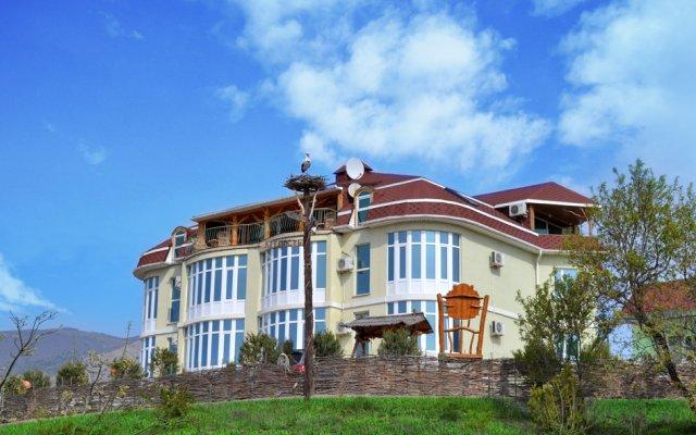 Гостевой дом Воробьиное гнездо вид на фасад
