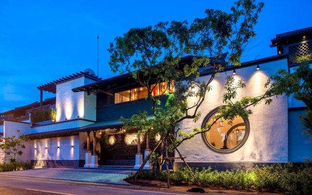 Отель Baba Beach Club Natai Luxury Pool Villa Hotel by Sri panwa Таиланд, Такуа-Тунг - 1 отзыв об отеле, цены и фото номеров - забронировать отель Baba Beach Club Natai Luxury Pool Villa Hotel by Sri panwa онлайн вид на фасад