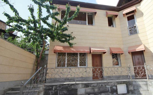 Апартаменты Yerevan вид на фасад