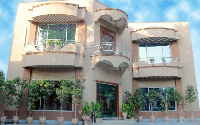 Отель One Multan Lalazaar