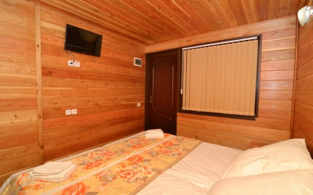 Wood House Guest House 2