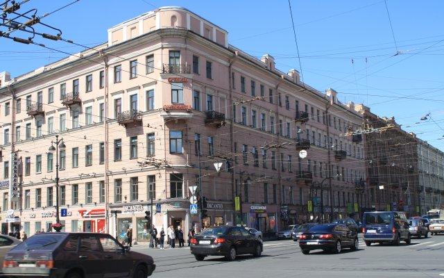 Клуб-Отель Питерская вид на фасад