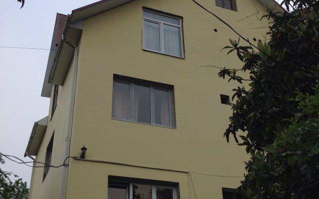 Гостиница Гостевой дом MARIANNA в Сочи 3 отзыва об отеле, цены и фото номеров - забронировать гостиницу Гостевой дом MARIANNA онлайн вид на фасад