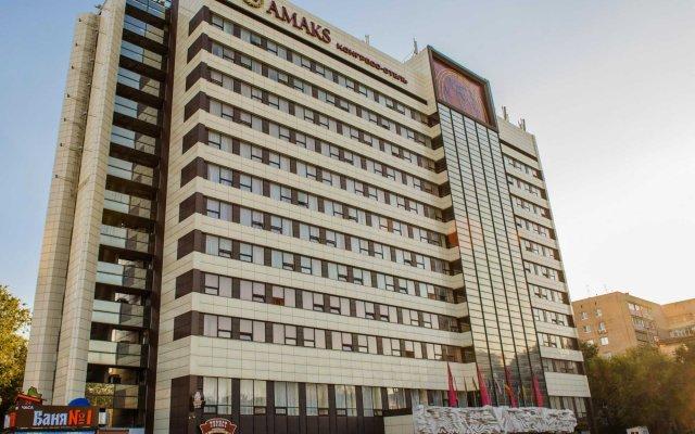 AMAKS Конгресс-отель вид на фасад