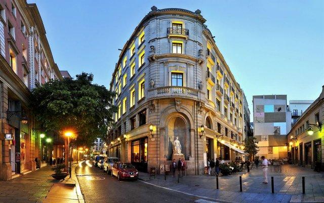 Hotel 1898 вид на фасад