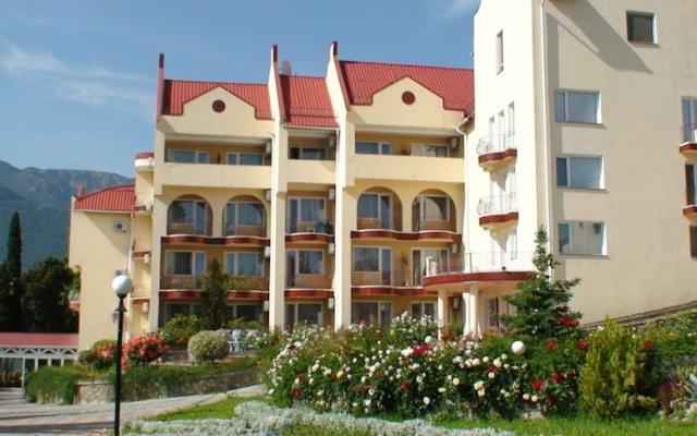 Гостиница Крымский вид на фасад